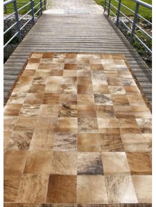 http://www.commodeetconsole.com/1348-thickbox_default/tapis-cuir-peaux-peau-patchwork-marron-beige.jpg