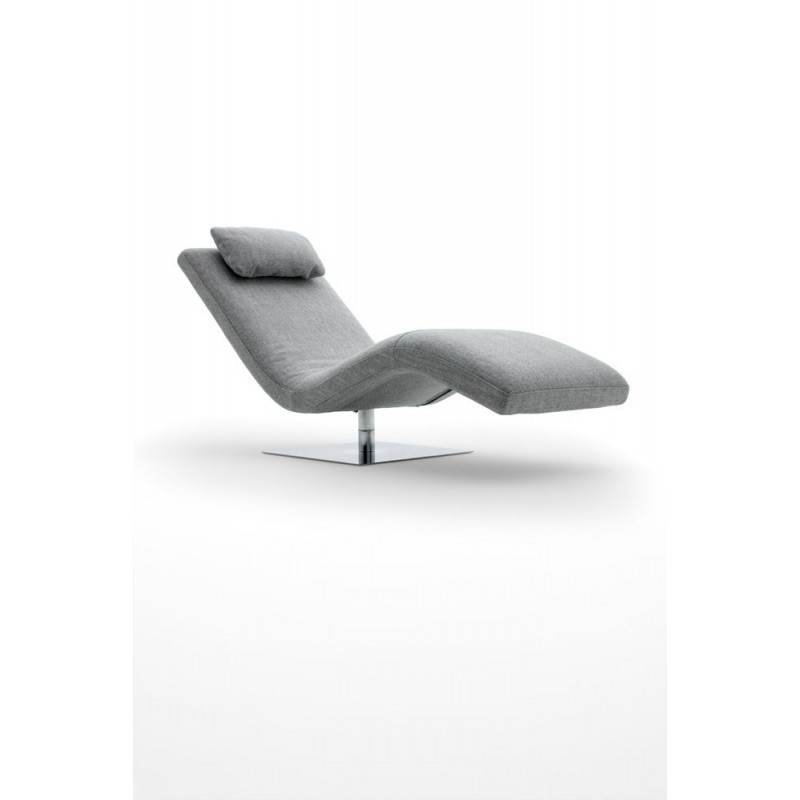 Chaise longue dans salon for Chaise pour salon