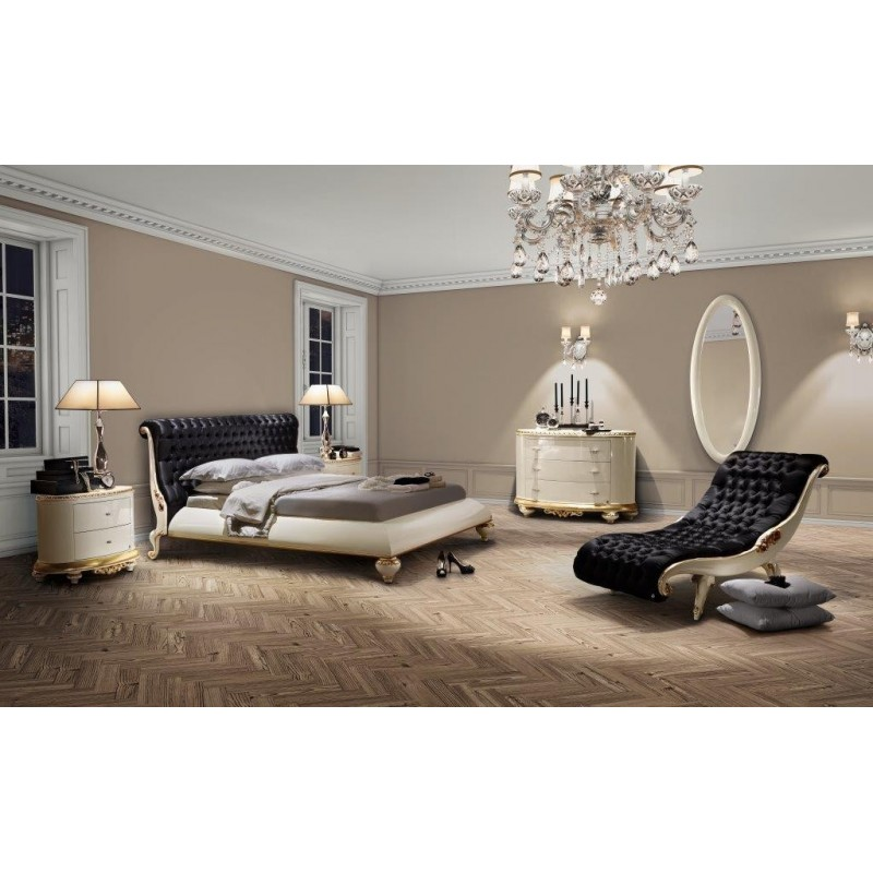 chambre adulte de luxe feuille d 39 or et d 39 argent chaise longue de salon et commode. Black Bedroom Furniture Sets. Home Design Ideas