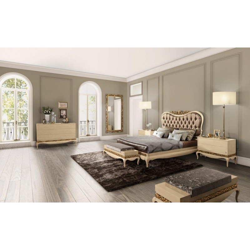 chambre adulte de luxe or ou argent et commode baroque. Black Bedroom Furniture Sets. Home Design Ideas