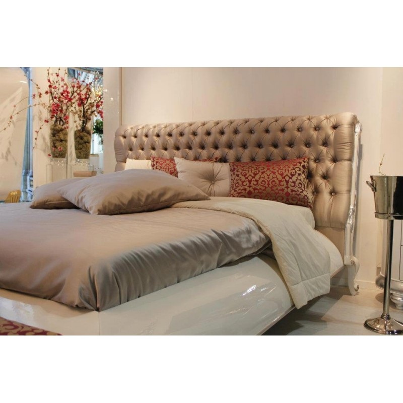 Chambre adulte de luxe blanche t te de lit capitonn e for Lit et commode adulte